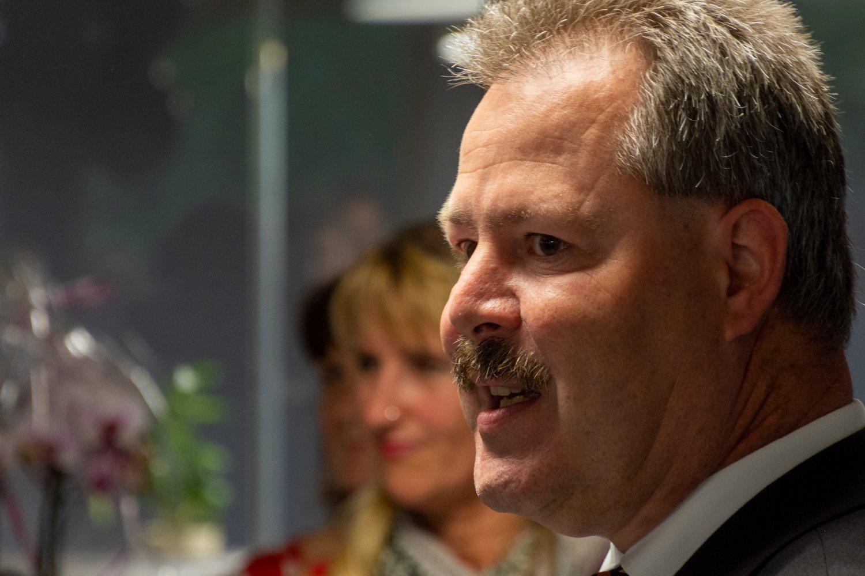 Auch Bernhard Werner, Bankdirektor der VR Bank Mittlere Oberpfalz AG, stellte die außerordentlich solide Zusammenarbeit mit der Firma DIRMEIER seit mehr als 20 Jahren heraus und hinterließ seine Glückwünsche.
