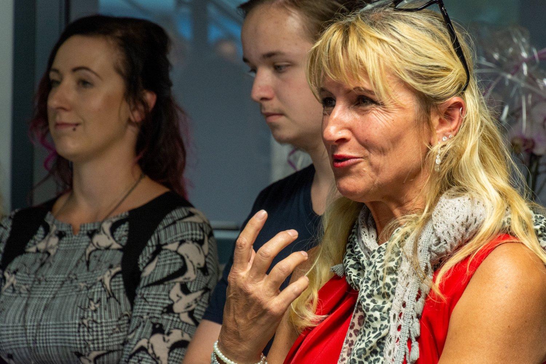 Dritte Bürgermeisterin Heidi Eckl war in Vertretung des Bürgermeisters gekommen und rühmte vor allem die moderne Bauweise.